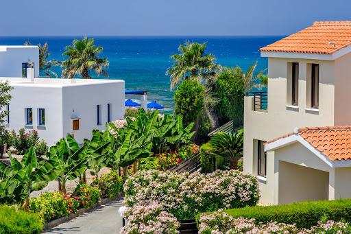 Что дает недвижимость на Кипре